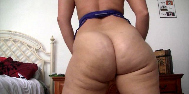 amateur,ass,big ass,butt,small tits,striptease,webcam,