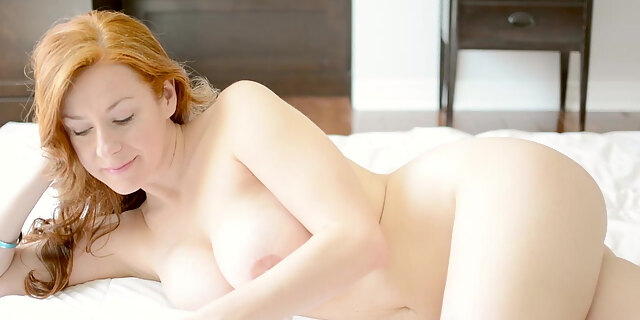babe,bed,cum,dildo,hardcore,masturbating,mature,redhead,solo,tits,toys,white,young,