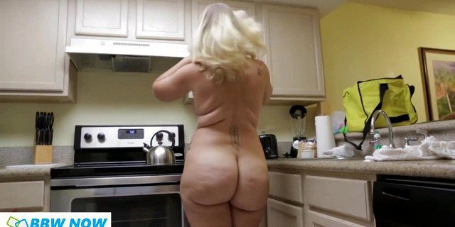 blonde,butt,chubby,pawg,thick,young,