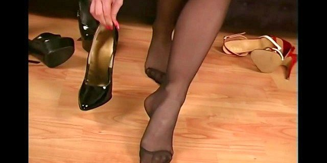 foot fetish,high heels,pantyhose,stocking,